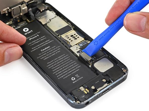 Cara Mengatasi HP Samsung Blank Baterai Tanam