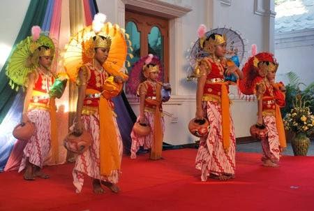 Yok Nyinau Basa Jawa !: MACAM-MACAM TARIAN DI JAWA TENGAH
