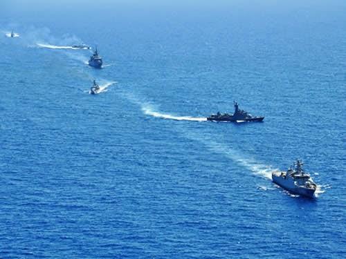 Tática e manobra naval