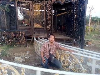 Dzaky Jaya adalas bengkel las Spesialis pengerjaan Pintu, Gerbang, Pagar, Besi Tempa, Railing, Balkon, Tangga Layang, Klasik