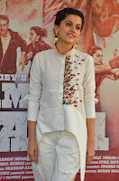 Taapsee Pannu Looks Super Cute in White Kurti and Trouser 02.JPG
