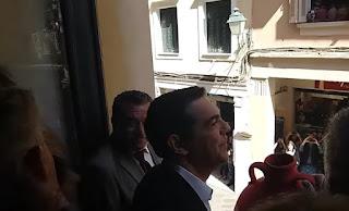 Ο Τσίπρας ρίχνει τον πασχαλινό «μπότη» στην Κέρκυρα