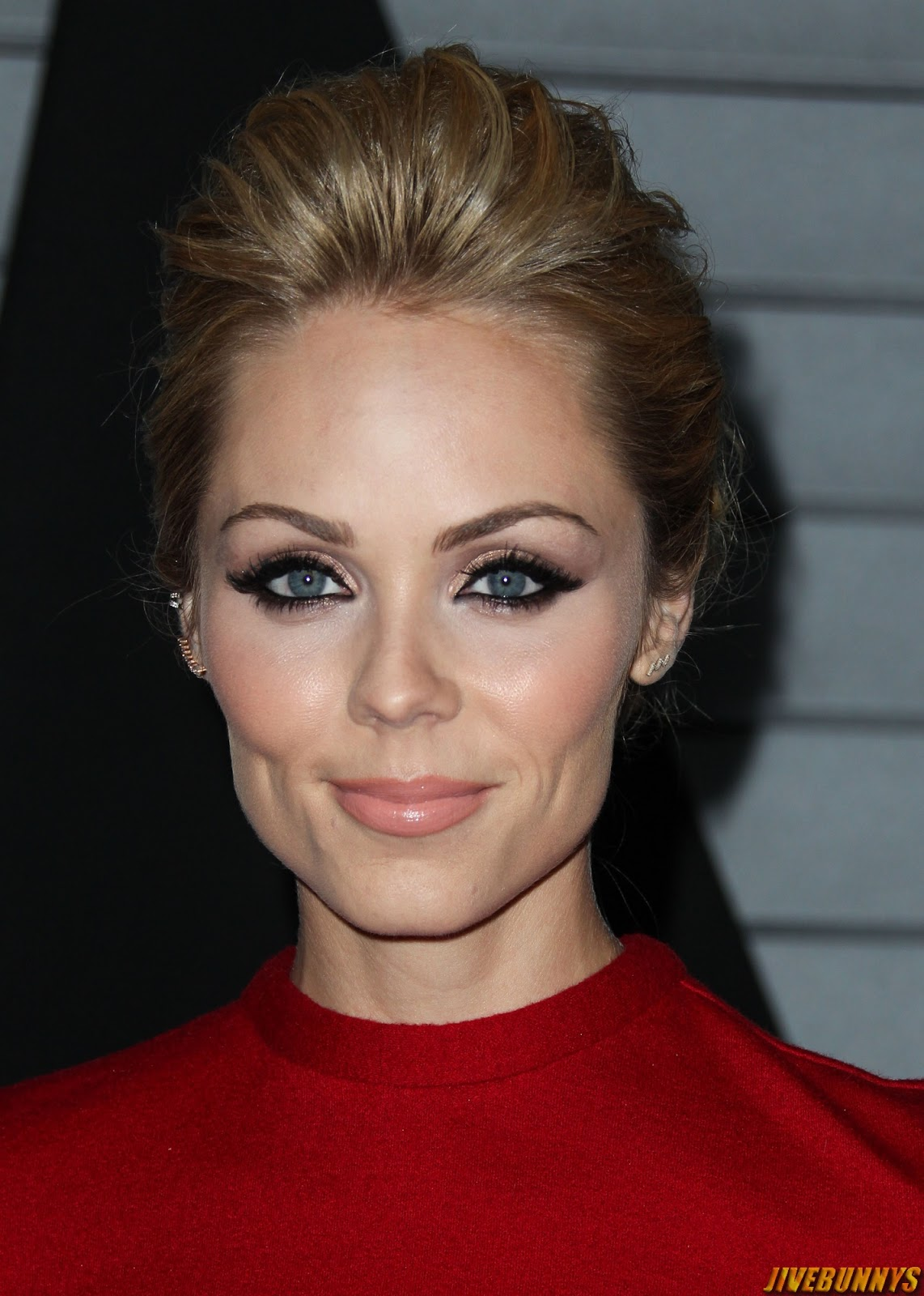 Laura Vandervoort Photos And Image Gallery 3-6985