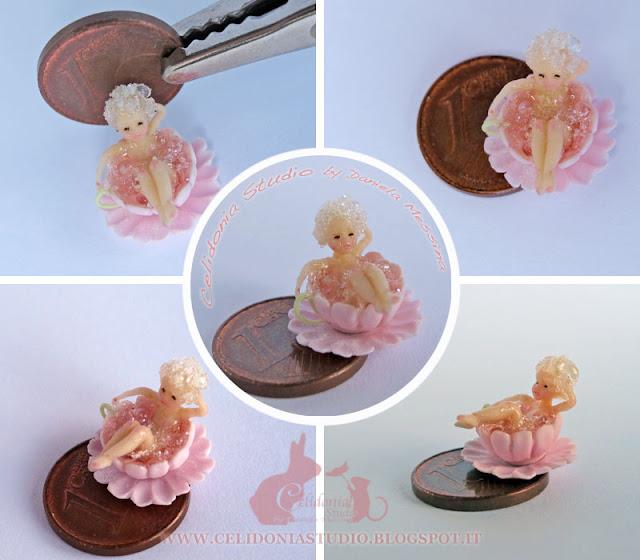 Micro Fatina che fa il Bagno - OOAK Mini Doll by Daniela Messina - Celidonia