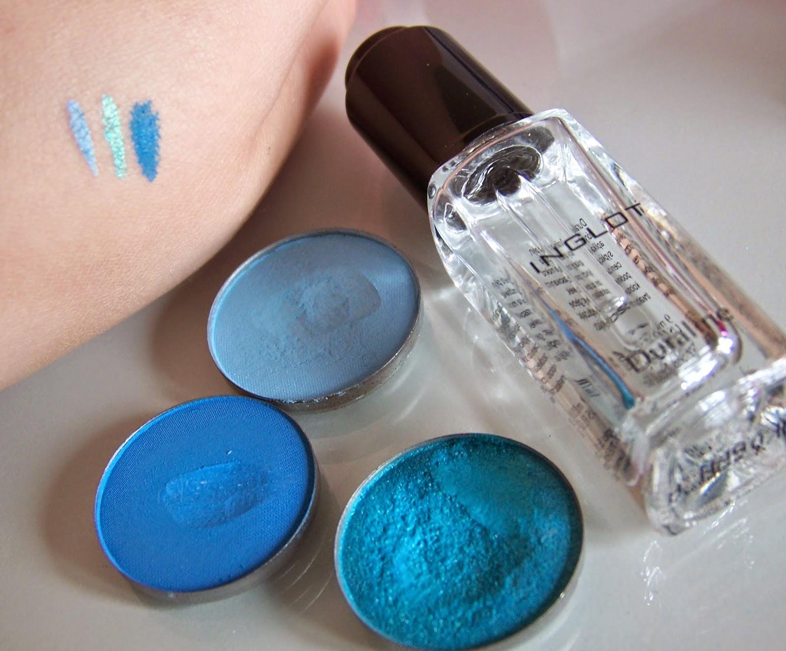 Kreska ombre w odcieniach błękitu, czyli kolorowy makijaż na wiosnę