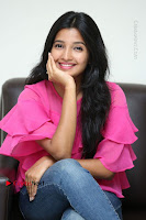Telugu Actress Deepthi Shetty Stills in Tight Jeans at Sriramudinta Srikrishnudanta Interview .COM 0090.JPG