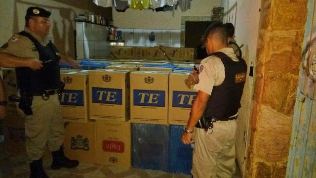 Polícia apreende carga de 62 mil cigarros ilegais em Pouso Alegre (Foto: Polícia Militar)