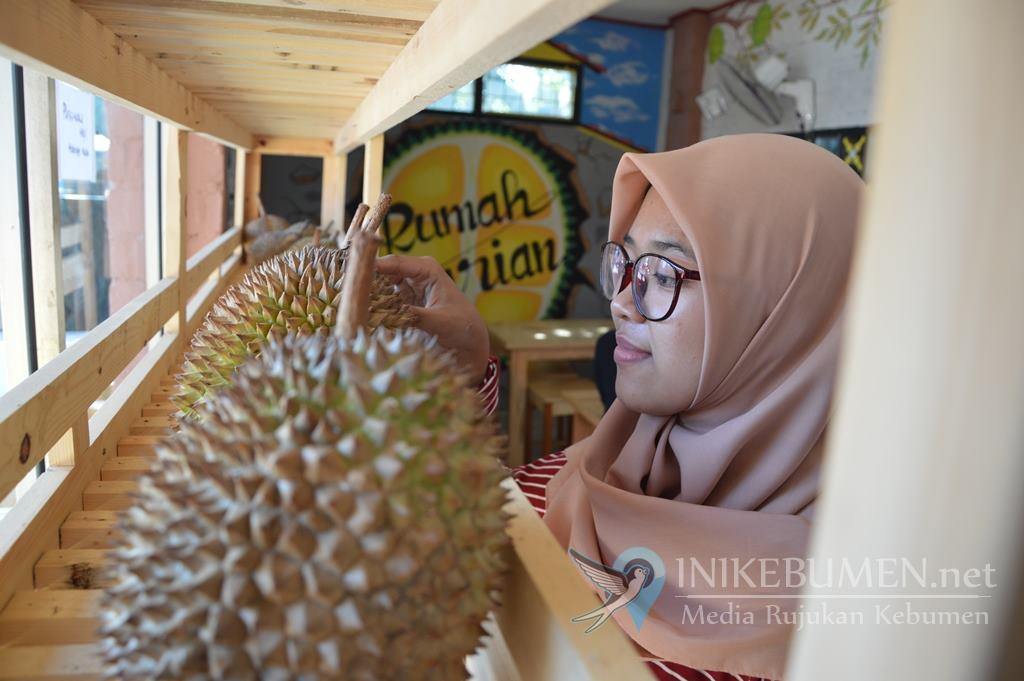 Yuk Cobain! Rumah Durian, Tempat Kuliner Durian Sepanjang Tahun di Kebumen