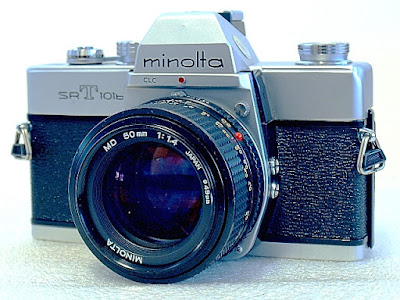 Minolta SRT-101b, Front right