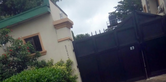 gej mansion burgled mopol