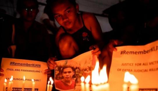 """نداء إلى """"الإعدام التعسفي"""" بعد إدانة ثلاثة من ضباط الشرطة الفلبينية"""