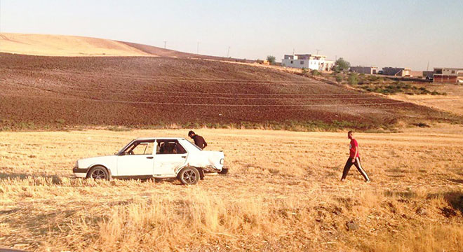 Diyarbakır-Hani yolundaki kazada otomobil 150 metre sürüklendi