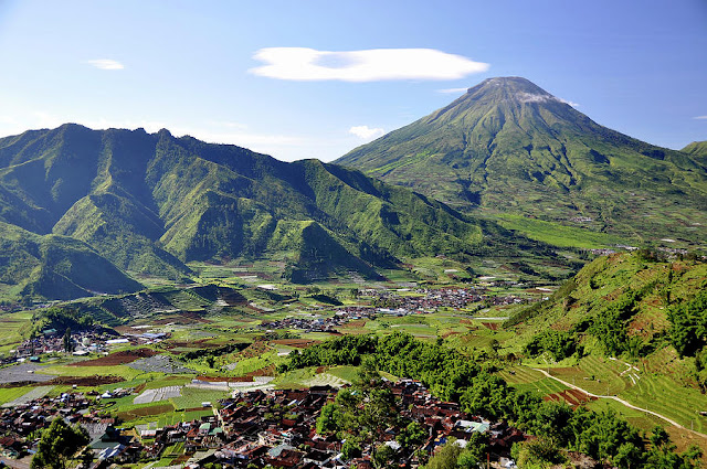 Prau Mountain Trekking Tour