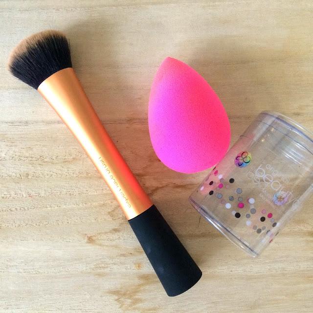 real techniques expert face brush or beauty blender face sponge annother makeup junkie. Black Bedroom Furniture Sets. Home Design Ideas