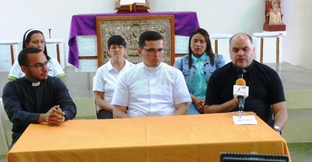 tres-parroquias-unidas-para-celebrar-xiii-viacrucis-de-la-villa