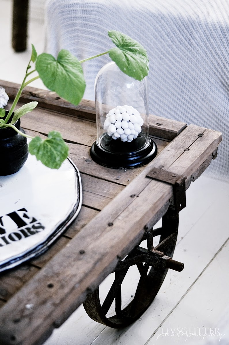 bord med hjul, rustikt bord, diy, handmade, table, industrial design, interior, järnhjul