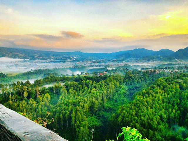 Tebing Keraton, Wisata Alam Dengan Pemandangan Spektakuler Di Bandung