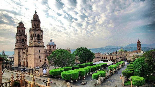 Visita Morelia, Michoacán