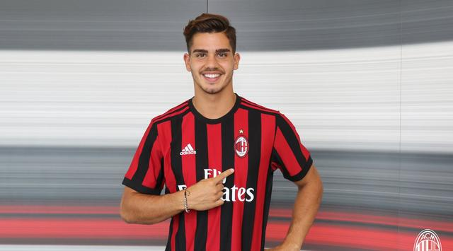 Barca Sempat Perhatikan Andre Silva di Derby Milan