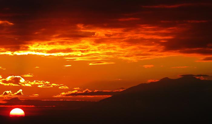 Hasil gambar untuk spot riyadi sunset