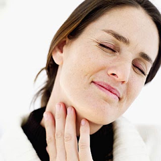 Sakit pada tenggorokan ibarat bunyi serak Cara Meredakan Nyeri, Gatal, Serak & Sakit Tenggorokan