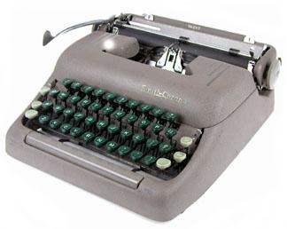 Royal kmm typewriter