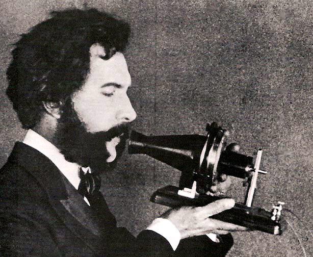 Bell y su primer teléfono