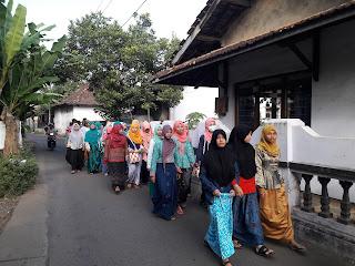 Rombongan IPPNU Kirig saat Silaturrohim ke Rumah Kyai di Kota Kudus