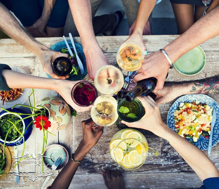 A comida é só um pretexto. O que vale é o coração cheio da alegria de compartilhar.