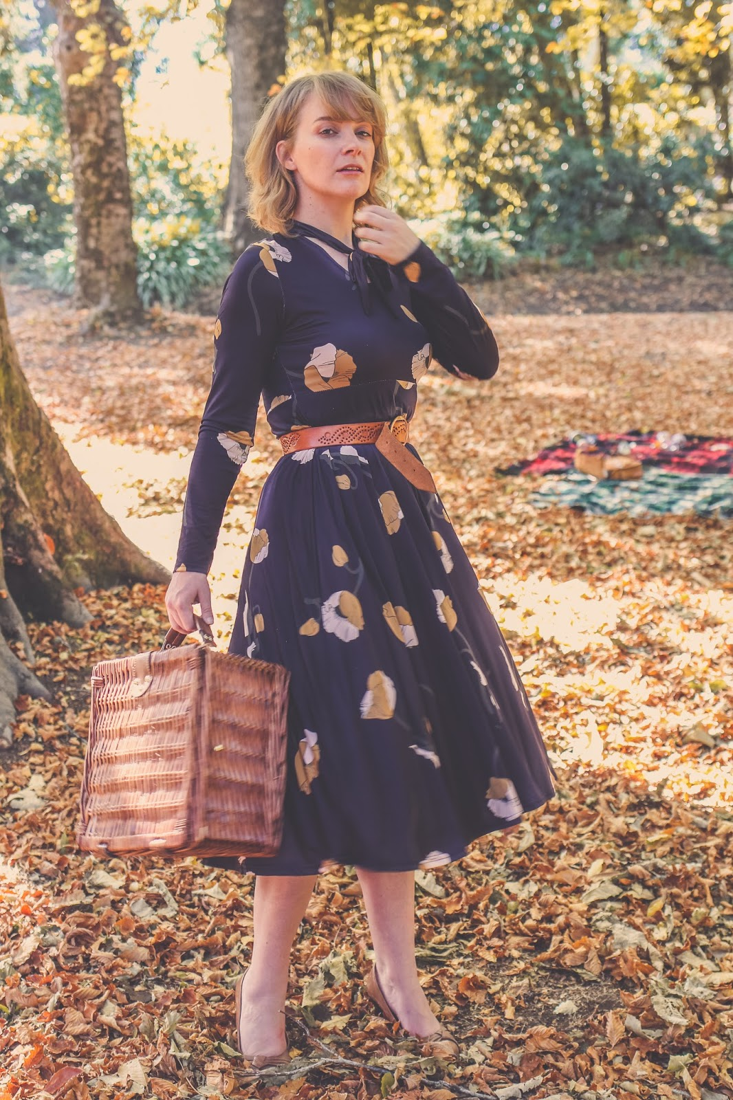 Liana of @findingfemme on an autumn picnic in Daylesford