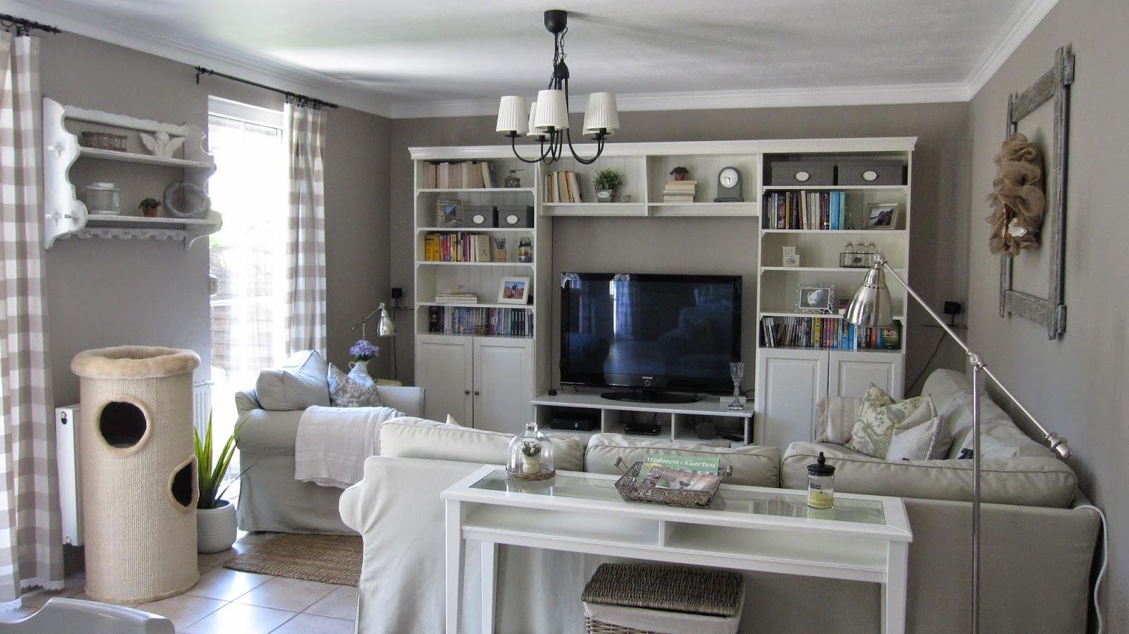 kleines gelbes haus country vorh nge und ein kleines missgeschick. Black Bedroom Furniture Sets. Home Design Ideas