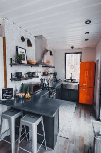 07-Kitchen-The-Box-Hop-Container-Cabin-Architecture-www-designstack-co