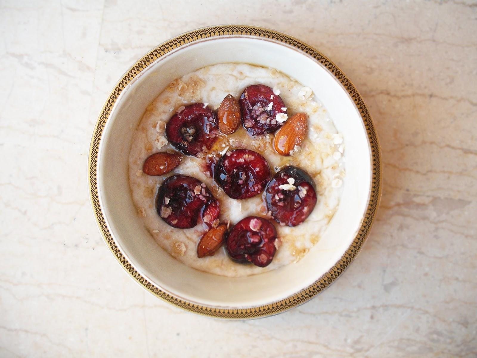 Πόριτζ vegan με γάλα καρύδας, βρώμη και κεράσια