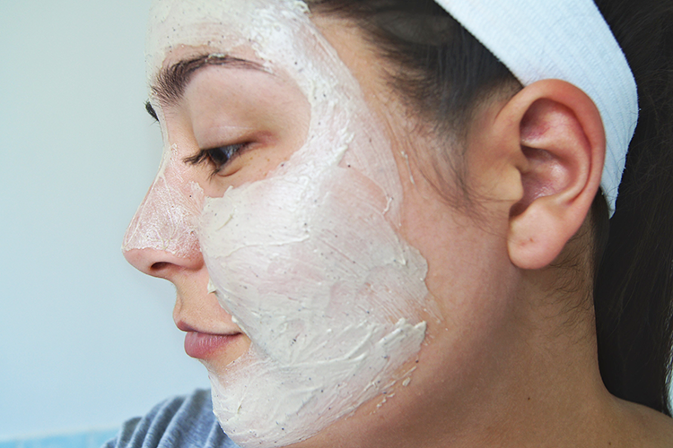 exfoliator-mask-clay-close