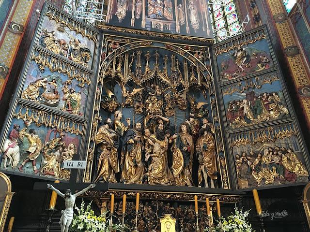 Santa María Cracovia retablo Voss