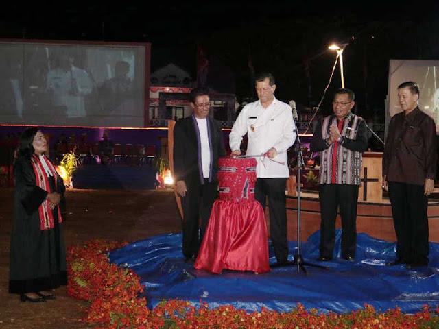 Staff Ahli Bidang Pembangunan, Ekonomi dan Keuangan, Ronny SW. Tairas, S.Sos., Msi