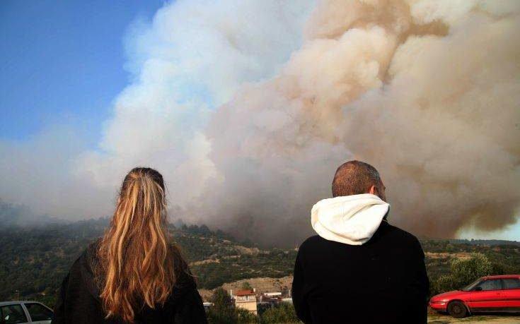 Σε εξέλιξη καθαρισμοί στην περιοχή που επλήγη από τις πυρκαγιές στη Χαλκιδική