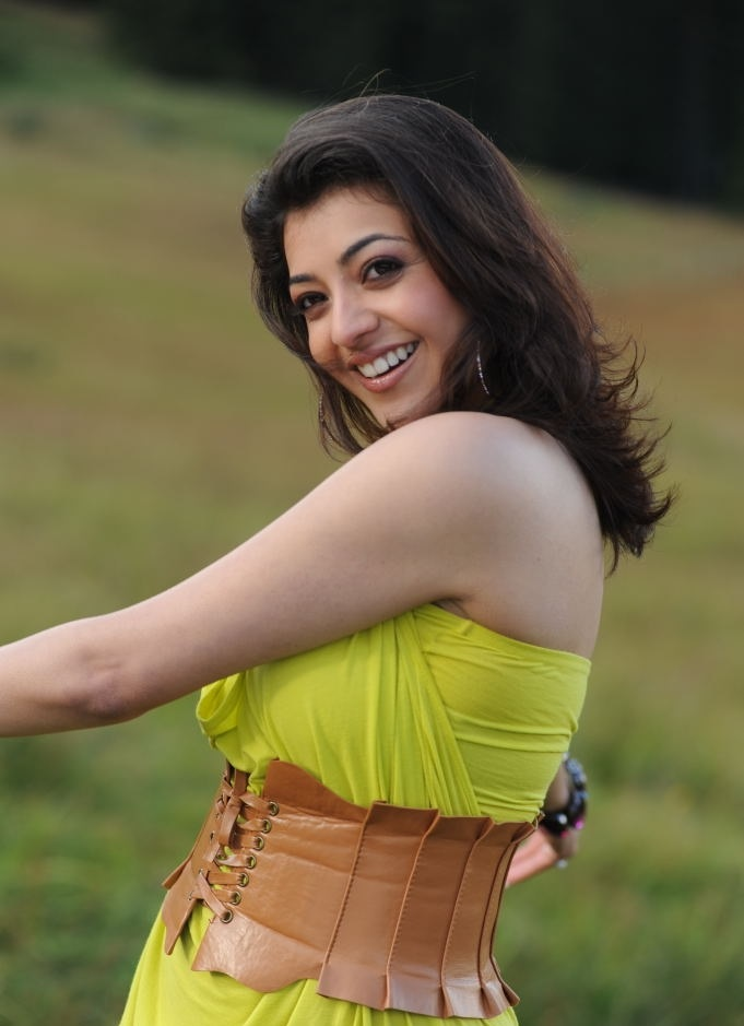 Tollywood Actress Kajal Agarwal Chubby Cheks Face Closeup Beg White teeths
