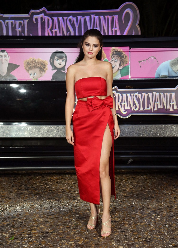 Selena Gomez at Hotel Transylvania 2 Photocall in Cancun