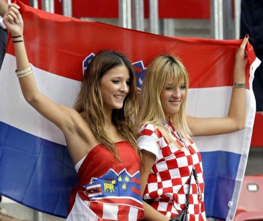 pendukung cantik dan seksi dari Kroasia