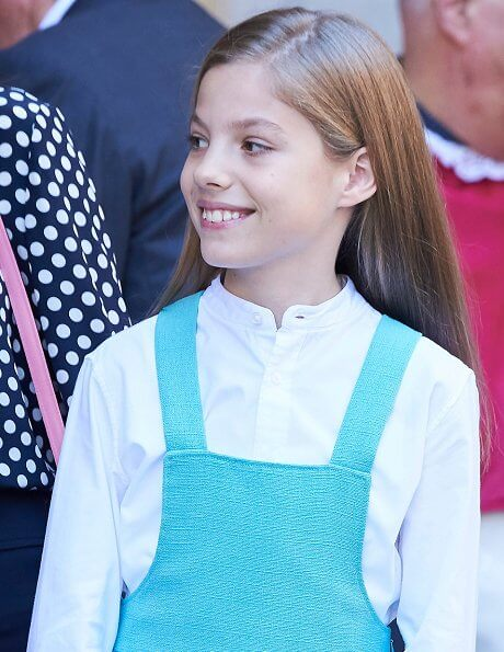 King Felipe, Queen Letizia, King Juan Carlos, Queen Sofia, Crown Princess Leonor and Infanta Sofía