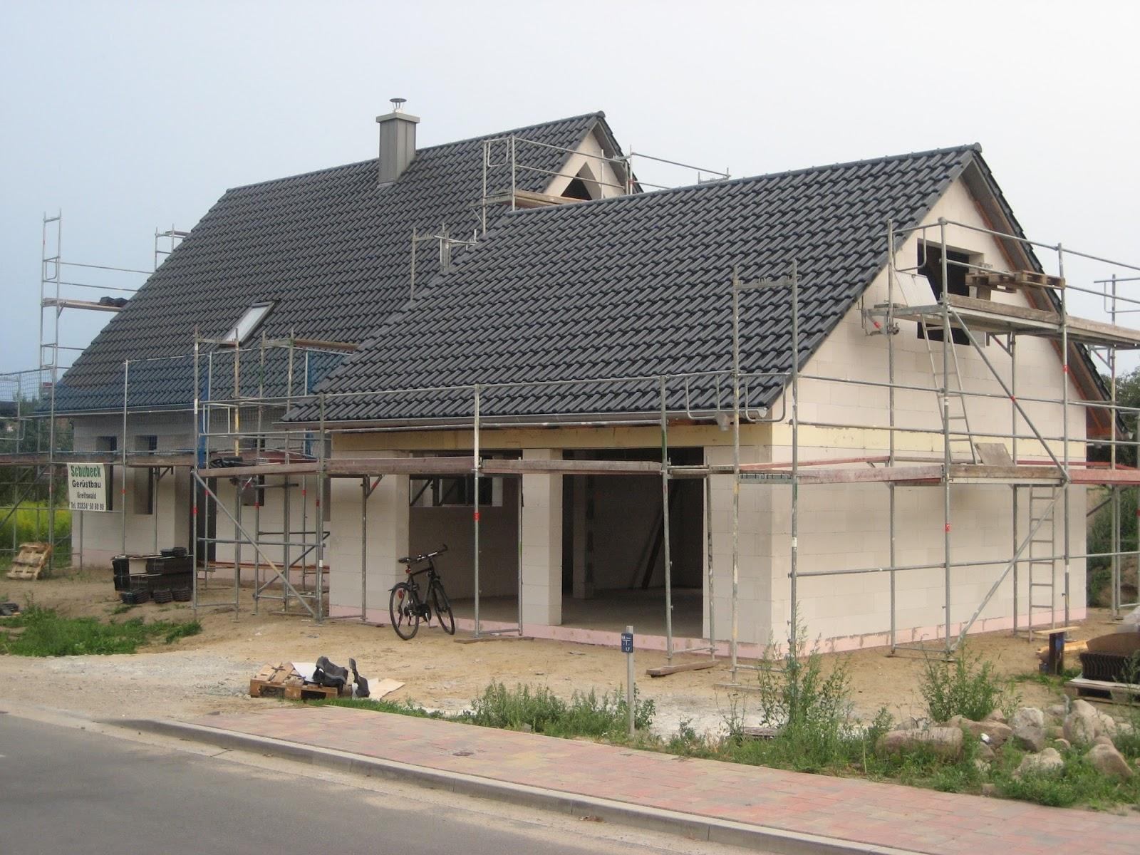 traumhaus voraus restarbeiten am dach und d mmung. Black Bedroom Furniture Sets. Home Design Ideas