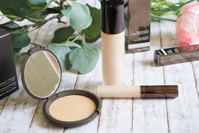 Becca, Shimmering Skin Perfector Pressed in Prosecco Pop, Aqua Luminous Perfecting Concealer in Porcelain
