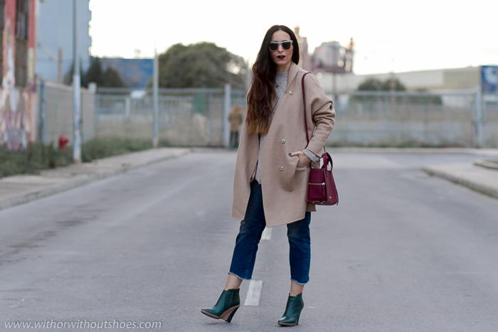 Jeans y botines de color verde de Monica Stalvang
