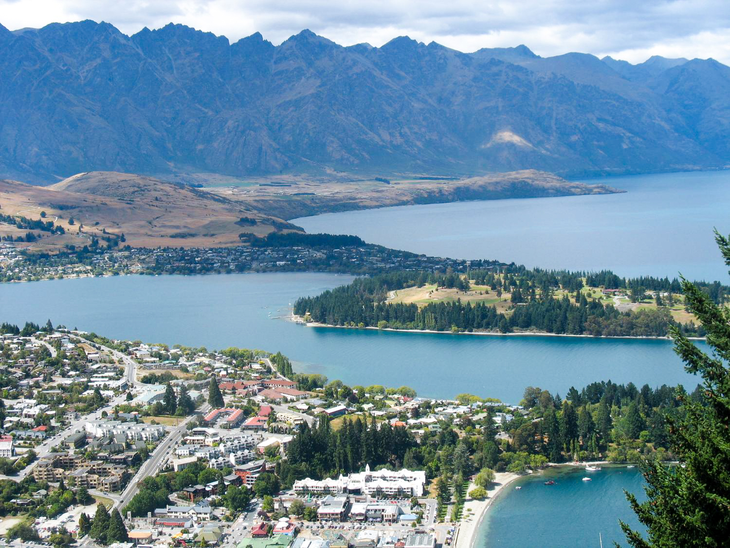 Learn about the education system in New Zealand in this guest blog post & grab a freebie, too! | The ESL Connection