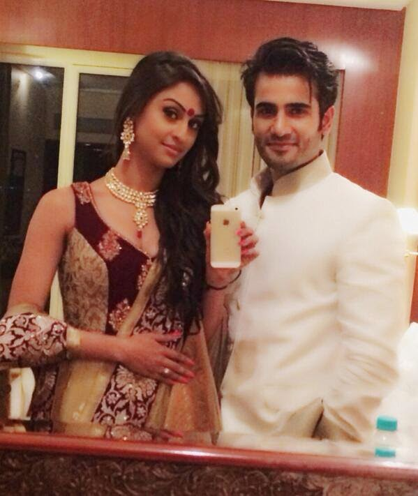 Hd Wallpapers Of Couples With Quotes Karan Tacker Amp Krystle Dsouza Hd Wallpapers Free Download