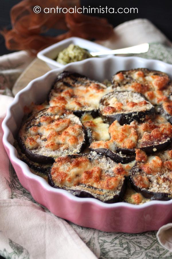 Parmigiana Bianca di Melanzane con Ricotta e Pesto