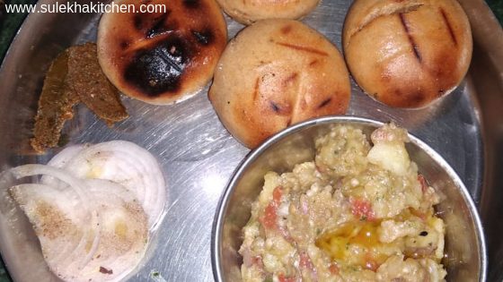 how to make litti chokha recipe in hindi and how make recipe of litti chokha in hindia and its also call batti chokha recipe in hindi