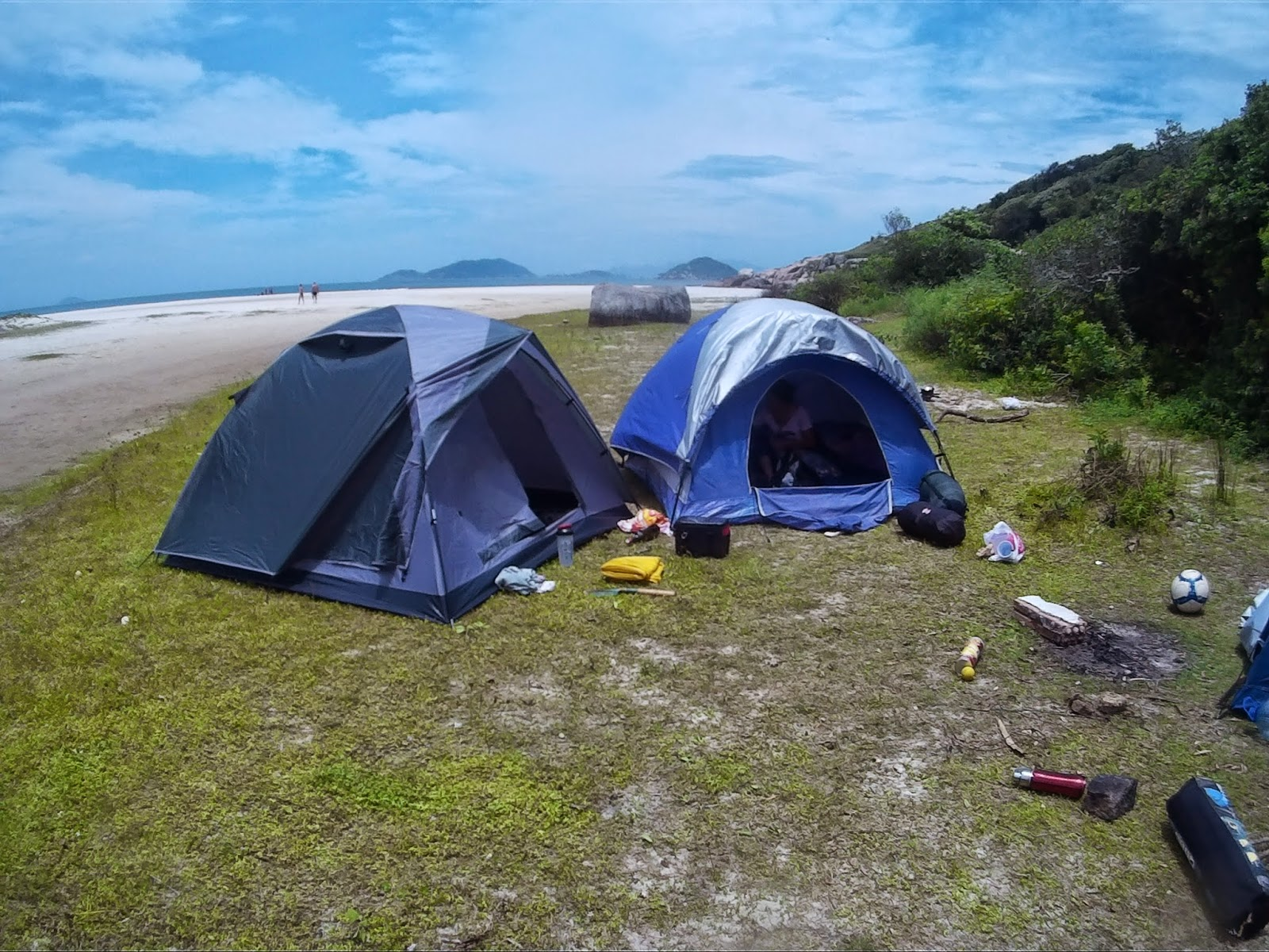 Acampamento na praia de Naufragados, Florianópolis