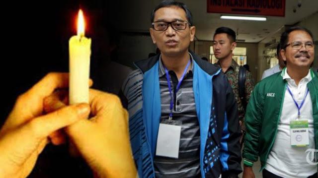 Relawan JR Saragih - Ance Bawa Lilin ke Bawaslu, Putusan Sengketa Pilkada Dibacakan Malam Ini